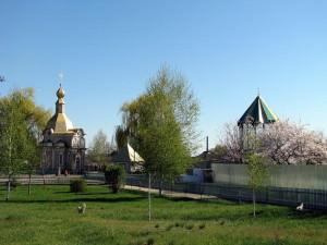 Святой источник Песчанской иконы божией матери город Изюм-21