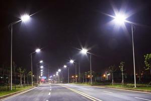 В городе Изюме на улицах должно стать светлее