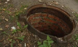 воровство канализационных люков Изюм