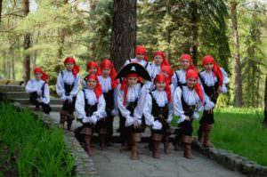 Изюмские танцоры покоряли Святогорск