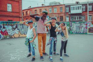 Город Изюма 1 июня посетит участник проекта Танцуют все-1