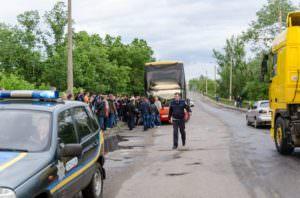 На Изюмщине полицейские обеспечили безопасность пассажиров-1