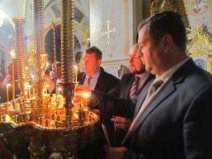 На праздник Пасхи в Изюм прибыл Благодатный огонь из Иерусалима
