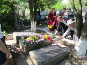 9 мая изюмчани почтили героев Второй мировой войны-1