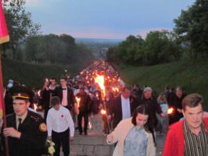 9 мая изюмчани почтили героев Второй мировой войны-10