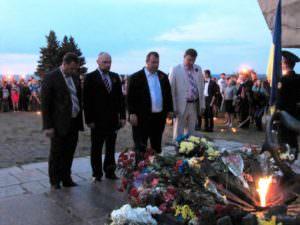9 мая изюмчани почтили героев Второй мировой войны-12
