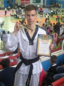 Изюмчанин Влас Чеша стал чемпионом Украины по тхэквондо