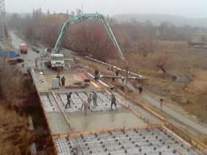 Мост в Барвенково открыли для транспорта-1