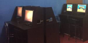 Игровой зал находился на первом этаже многоэтажного жилого дома в городе Изюм
