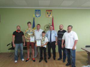 Руководство города наградило юных спортсменов, которые будут защищать честь Изюма на международных соревнованиях-1