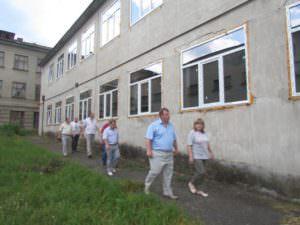 Руководство города проверило выполнение работ проведенных в ИООШ №5 по инвестиционной программе НЕФКО-1