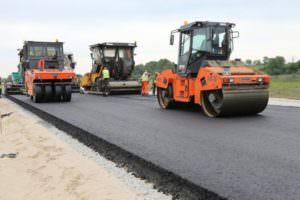 Частников зовут строить дороги в Харьковской области