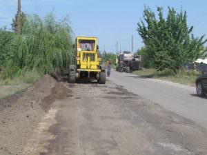 В Изюме ремонт дорог продолжается ускоренными темпами-2