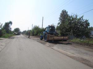 В Изюме ремонт дорог продолжается ускоренными темпами-5