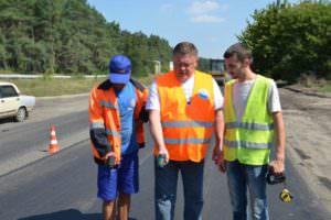 Дорожники завершили ремонт первого участка трассы Харьков-Ахтырка