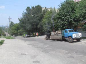 Коммунальщики внепланово ремонтируют выбоины на дорогах-2