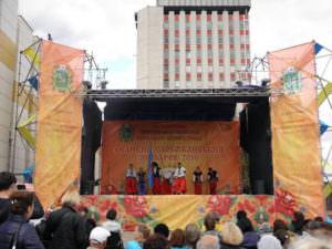 В Харькове одним из украшений ярмарки стала экспозиция Изюмского района-1