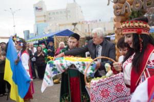 В Харькове одним из украшений ярмарки стала экспозиция Изюмского района-3