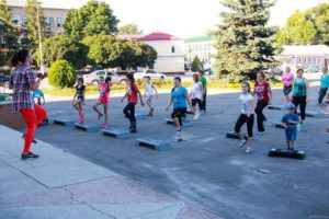 Юные лидеры Харьковщины проводят бесплатные спортивные тренировки