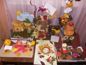 Состоялась выставка в детских садах изделий из природных материалов-3