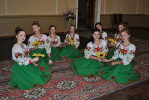 Управление культуры приобрело новые концертные костюмы