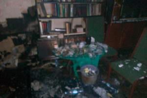Во время ликвидации пожара спасатели эвакуировали 8 жильцов пятиэтажного жилого дома, 1 человек погиб