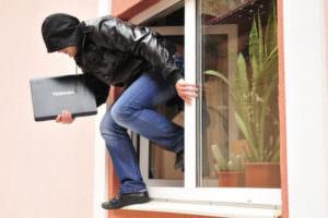 16 летний подросток ограбил частное домовладения