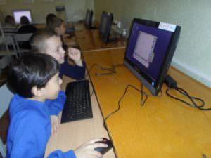 Учебные заведения Изюма получили современное учебное оборудование