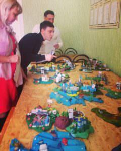 Дети города Изюма собственными руками создали 3D карту Украины