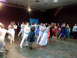 Старшеклассники Изюма на Новогоднем  бале в Харькове