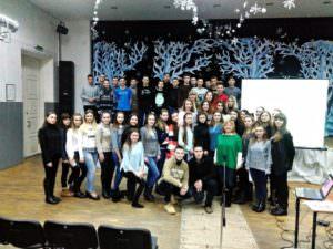 Старшеклассники Изюма на Новогоднем бале в Харькове-1