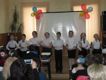 В Изюмской детской музыкальной школе состоялся фестиваль юных исполнителей «Дебют»