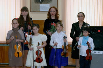In the concert hall of Children music school Izyum held a concert with Ukraine in sertsi-1