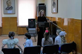 In the concert hall of Children music school Izyum held a concert with Ukraine in sertsi-2