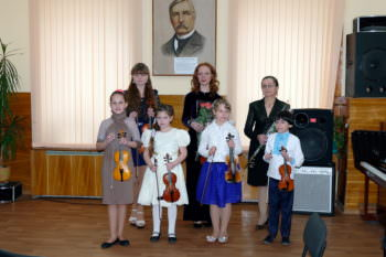 In the concert hall of Children music school Izyum held a concert with Ukraine in sertsi-3