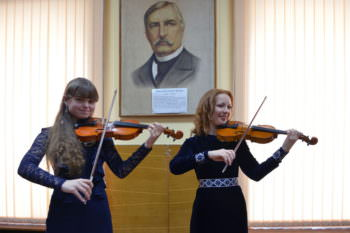 In the concert hall of Children music school Izyum held a concert with Ukraine in sertsi-4