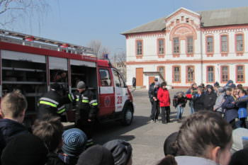 Изюмские спасатели провели акцию «Предотвратить. Спасти. Помочь.»