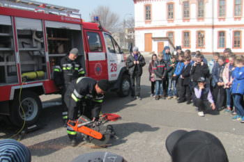 Izumskiy rescuers held the action to Prevent. Save. To help-2