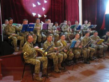 Soldiers from the zone ATO congratulated the medical women's Izyum with a holiday-2