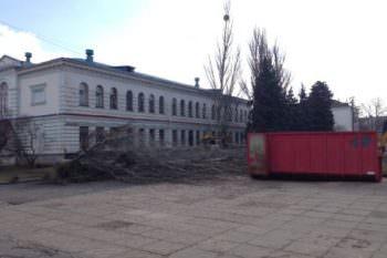 Начаты подготовительные работы к реконструкции Центральной площади города Изюма