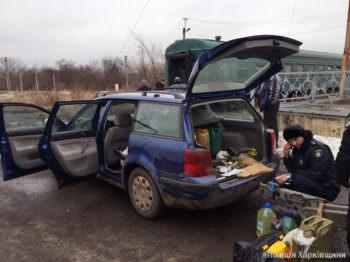 Работники изюмской полиции выявили факт незаконной перевозки оружия и взрывчатки (фото)