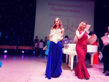 Изюмская ученица 11-го класса получила песенную славу на международном уровне