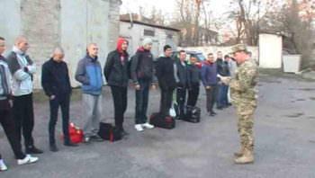 На военную службу 3 апреля призвали 10 жителей Изюмского района