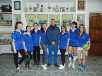 Женщины-волейболистки города Изюм приняли участие в областной Спартакиаде