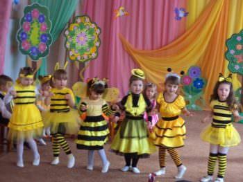 As passed graduation in kindergarten Izyum-4