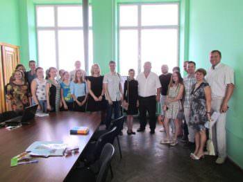 Участники школы лидерства «МОСТ» Изюма представили молодежные проекты