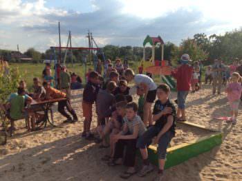 В Изюме открыли несколько новых детских площадок