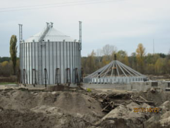 Под Изюмом активно строят новый элеватор (фото)