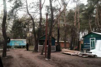 В Боровском р-н. в лесном массиве на берегу Краснооскольского водохранилища, незаконно раздавали землю