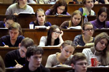 С 1 ноября стипендии студентам былиповышенына 18%